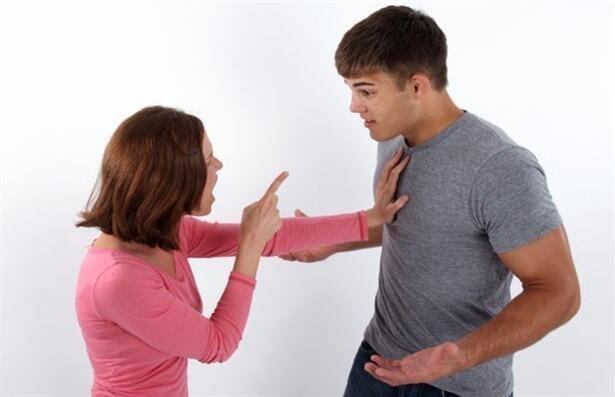 İlişkileri Bitiren 9 Hata